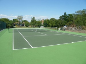 New build tennis court in two tone green